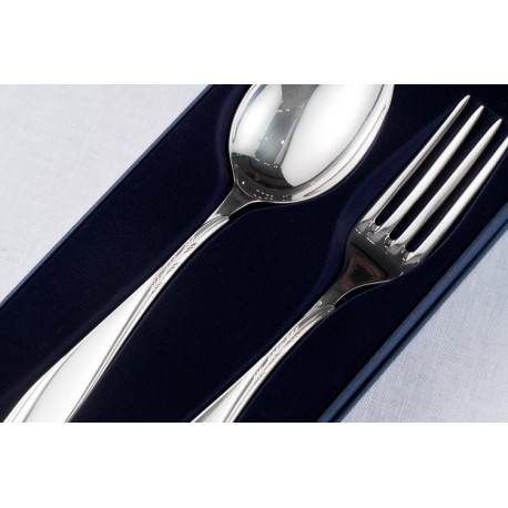 Zestaw srebrnych sztućców półmiskowych