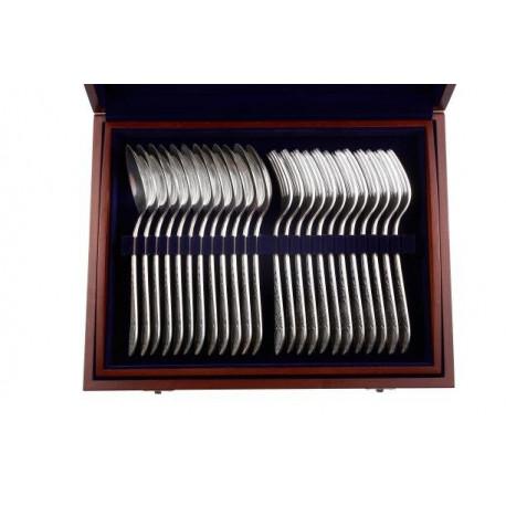 Zestaw srebrnych sztućców stołowych
