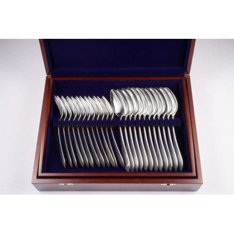 Zestaw posrebrzanych sztućców obiadowych w drewnianej kasecie - 48 szt.