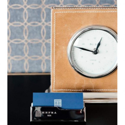 Posrebrzana podstawka pod wizytówki - elegancki gadżet na biurku