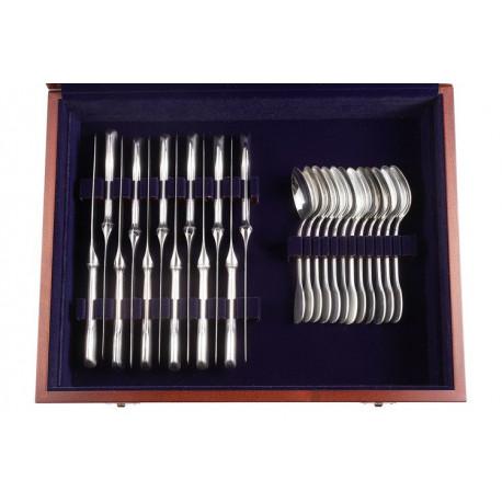 Zestaw srebrnych sztućców obiadowych w drewnianej kasecie - 48 szt.